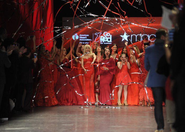 Découvrez les marraines et couturiers de cœur du RED Défilé